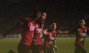 FBC Melgar venció por 2 a 0 a Caracas por la Copa Libertadores