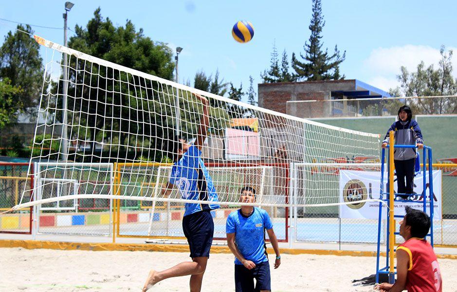 Ya se conoce a las escuelas que jugarán las 'semis' del vóley playa UNSA