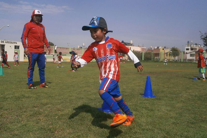 [FOTOS] Niños aprenden fútbol en la escuela Atlético Arequipa y Hunter