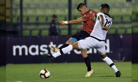 Melgar fue derrotado 2-1 pero avanza de fase en Copa Libertadores
