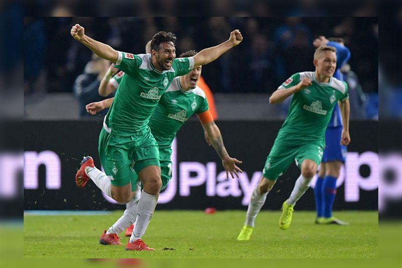 [VIDEO] Pizarro anota gol para el Bremen y bate récord en la Bundesliga