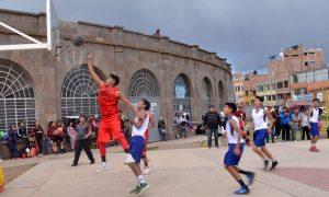 Sábados de las canastas en la plataforma del estadio Torres Belón.