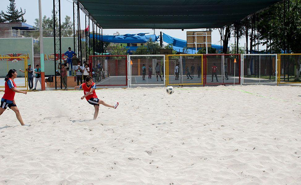 Educación, Mecánica, Economía y Trabajo Social disputarán hoy la final del torneo de fútbol playa