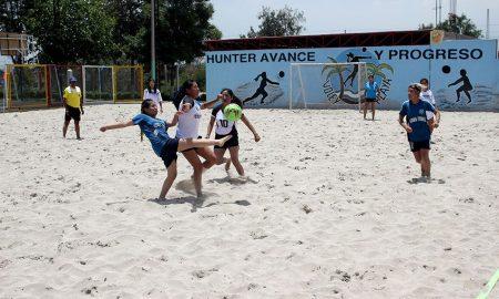 Agustinas cerraron con pierna fuerte la primera fecha del fútbol playa