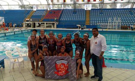 Equipo femenino del Club Draga que se bañó de bronce en el nacional sub-18 de Lima.