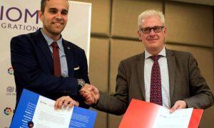 La Liga y la OIM firman un acuerdo para combatir la discriminación racial