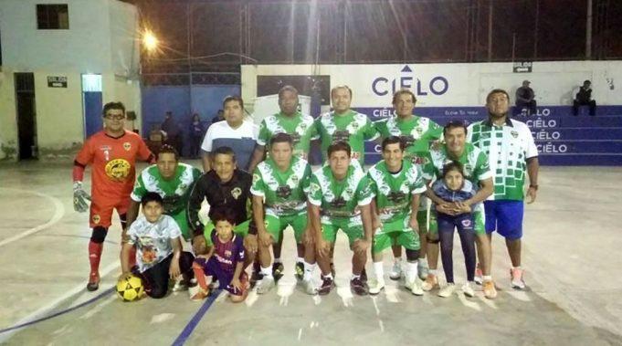 Vigil FC festejó triunfo contundente en la categoría Senior.