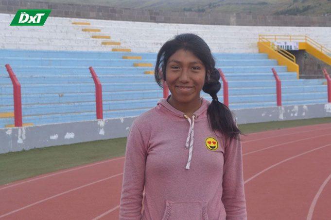 Inocencia Huacasi Monte, PROCEDENCIA: Santiago de Pupuja – Azángaro CATEGORÍA: Juvenil CORRERÁ: 6 Kilómetros.