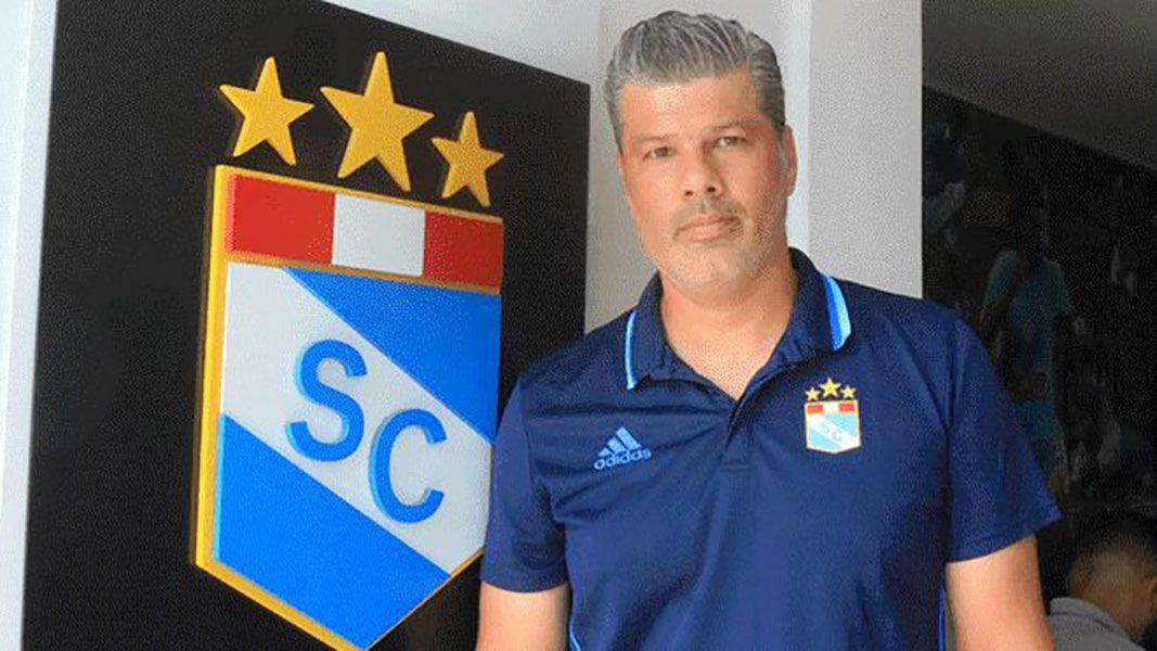 Carlos Benavides renunció a la presidencia del Sporting Cristal