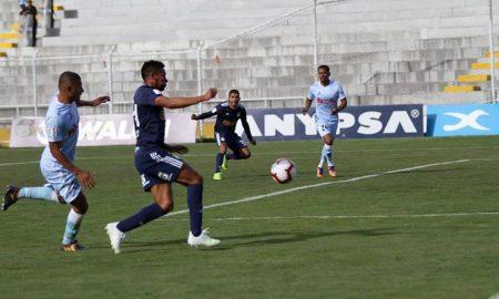 Real Garcilaso y Sporting Cristal igualaron ayer 1-1 en el inicio de la décima fecha.