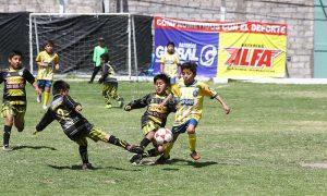 Relámpago de la Copa Baterías Global y Alfa entre los niños