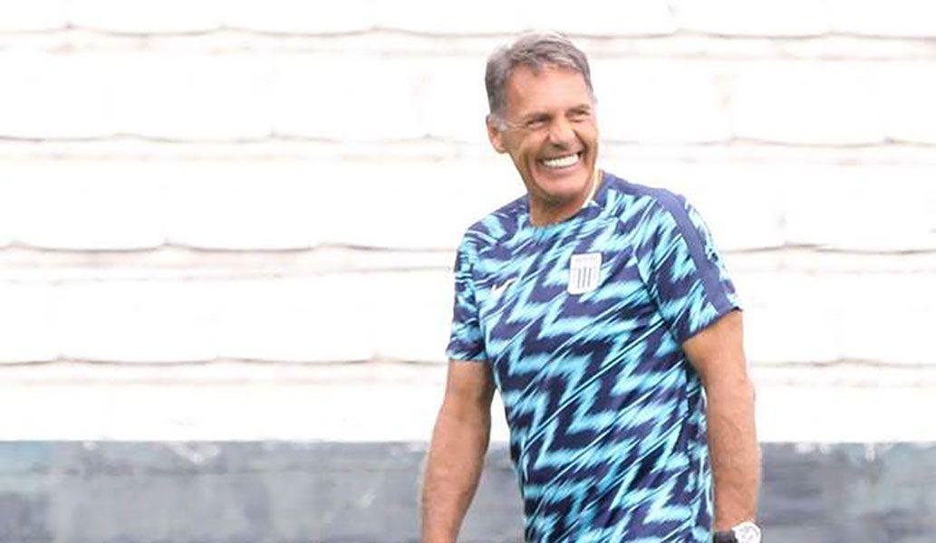 Técnico argentino descartó renunciar a Alianza Lima.