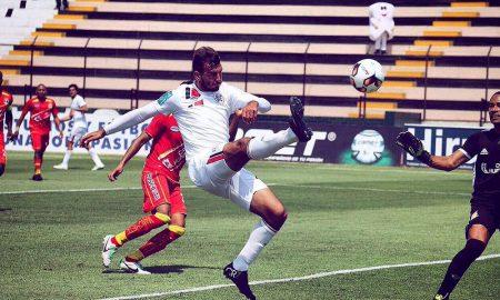Santos impusieron condiciones sobre Sport Huancayo.