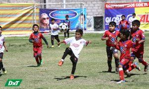 Prosigue el torneo de fútbol de menores en la Copa Baterías Global y Alfa 2019