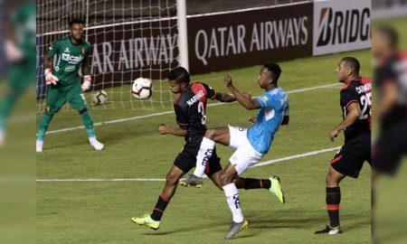 Melgar finiquitó eliminación de la Sudamericana. El Dominó empató 0-0 con Universidad Católica