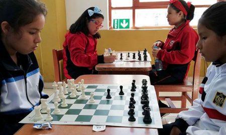 Gabriela Norabuena Ticona se quedó con el primer lugar de la categoría A de damas.