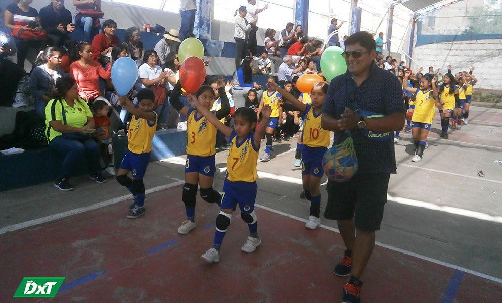 Ayer, la Asociación de Entrenadores de Voleibol de Arequipa inauguró su torneo