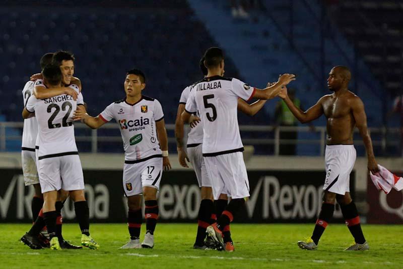 FBC Melgar venció a Junior y clasificó a la Copa Sudamericana.