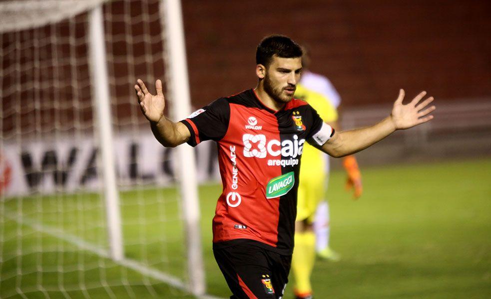 Bernardo Cuesta es el goleador del Torneo Apertura
