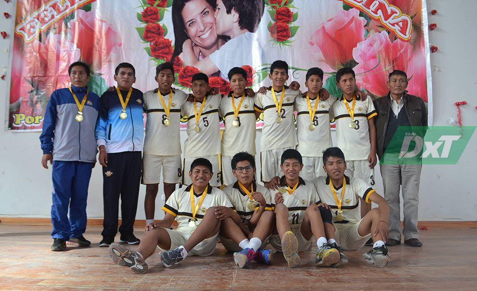 Colegio particular de San Miguel Ilave avanzó vóleibol varones sub-17.