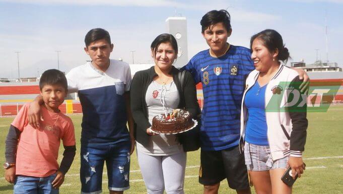 Hermanos Díaz Rivera de Caravelí estuvieron de cumpleaños.