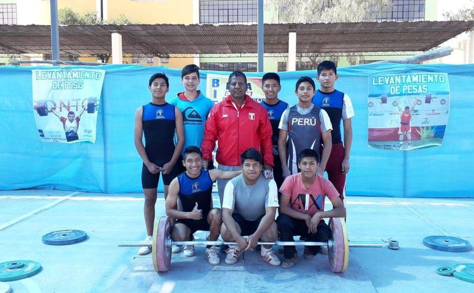 Selección de pesas del distrito de Cerro Colorado va a nacional.