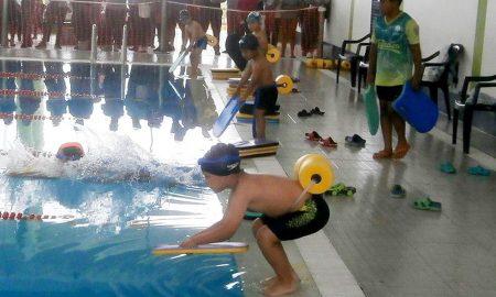 I Juegos Deportivos de Nivel Primario: Competencias de natación en la Unidad