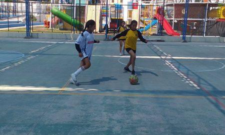 futsal. Acción en semifinales de Juegos Escolares