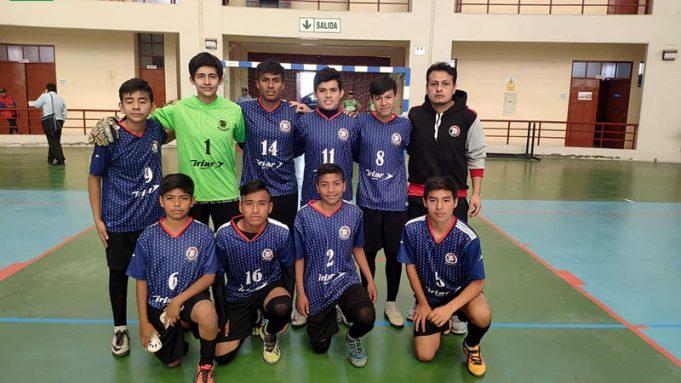 Talent School en el fútsal logró su primera victoria con goleada.