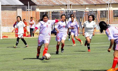 Juliaca: Arranca el torneo del balompié femenino en el Politécnico Los Andes
