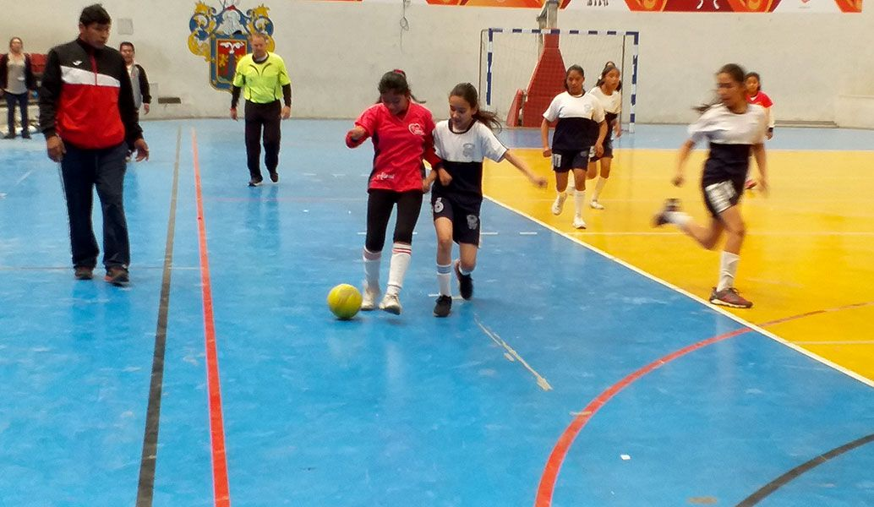 Resultados abultados y mucha acción en el futsal damas