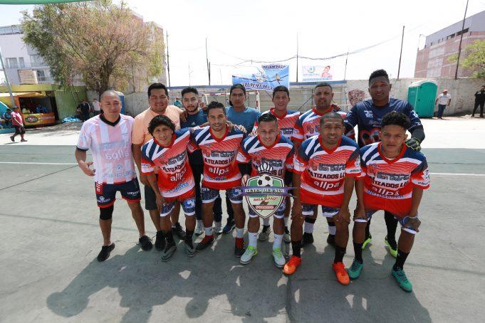 Los campeones de Purito Barrios Altos de Lima.