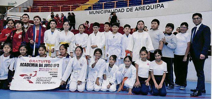 Los escolares que se preparan en la Academia del IPD-Arequipa.