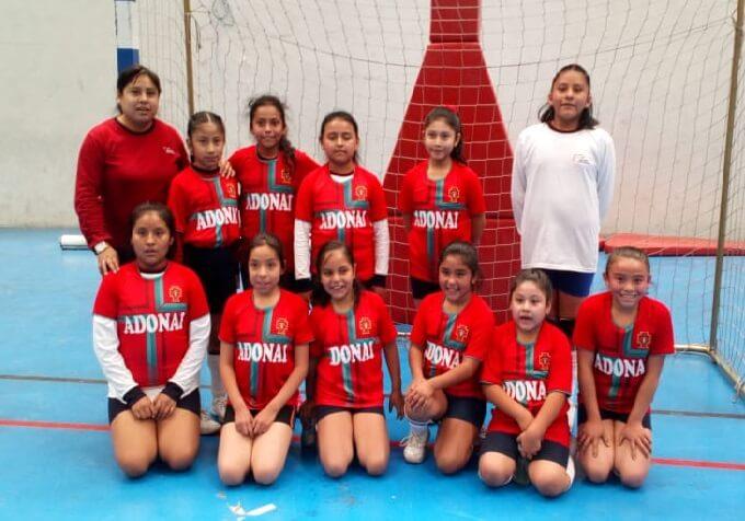 Adonai Internacional sub-10 ganó y es finalista.
