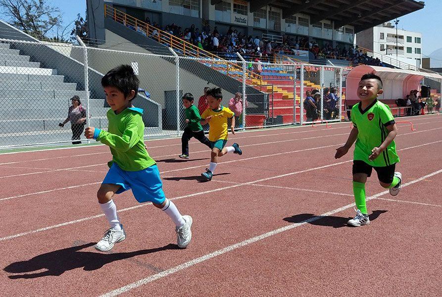 Los niños disputaron 4 pruebas en la disciplina de atletismo.