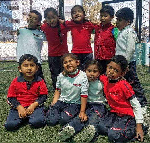 Todos los alumnos del colegio Fernando Vargas Ruiz de Somocurcio.