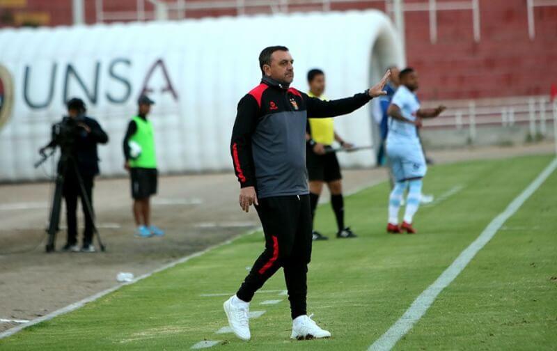 Diego Osella entrenador FBC Melgar.