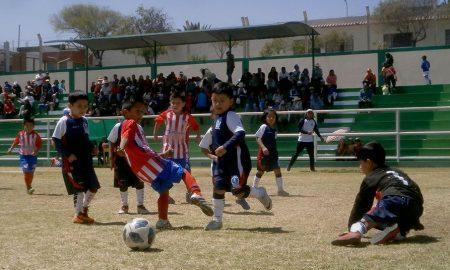 En Paucarpata se juega torneo Creciendo con el Fútbol en el estadio Pedro P. Díaz