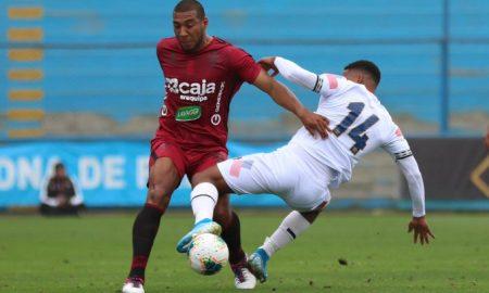 Carmona cumplió en la defensa arequipeña pero al final no fue suficiente y empataron.