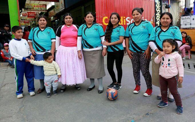 El segundo lugar en vóley fue para Abacería Puno.