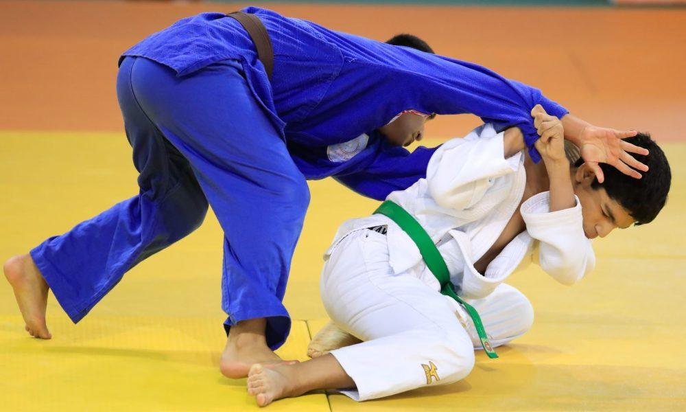 Arequipeños ganan en el judo. Hoy juegan la final en handball y básquet