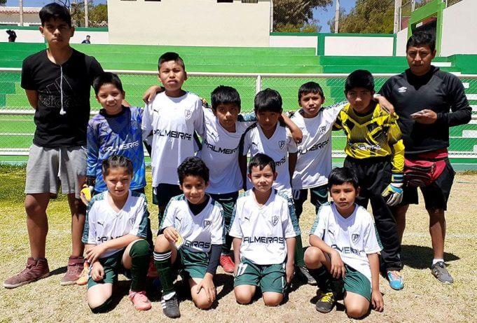 Niños con mucho talento del Palmeiras de Mariano Melgar.