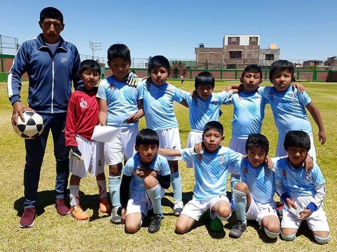 Desde el distrito de Yura llega el Deportes Yurak en la sub-8.