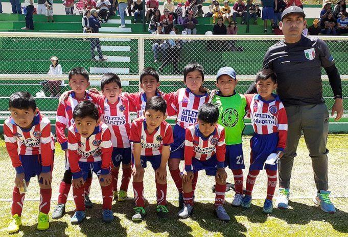 Los pequeñitos de la sub-6 del Atlético Arequipa de Hunter.