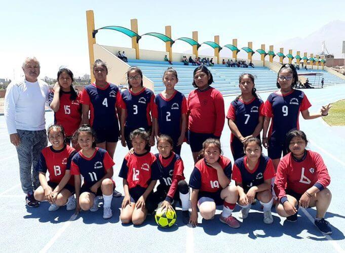 Las niñas del colegio Padre Pérez de Paucarpata.