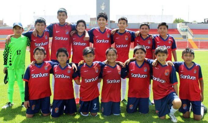Los alumnos de la I.E. San Juan que jugarán la final.