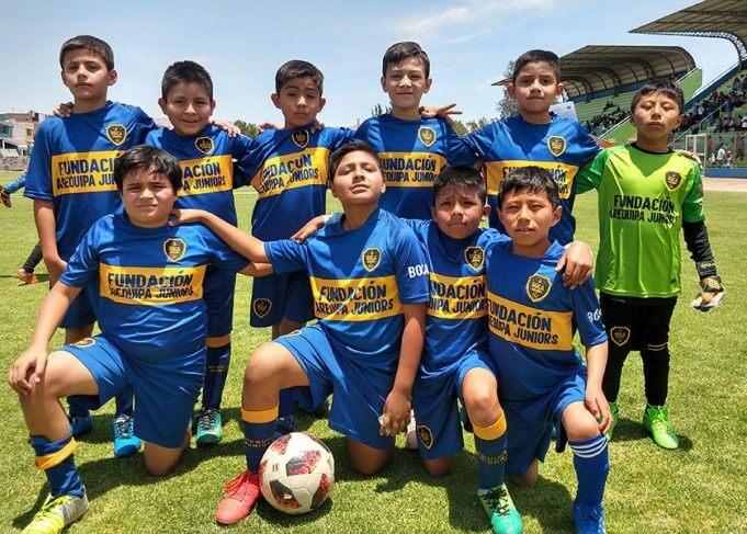 Los pequeños del club Boca Arequipa categoría sub-10.