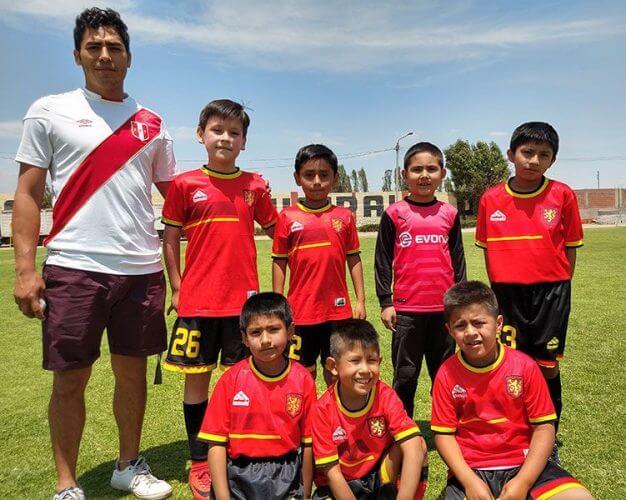 Los niños del Santa Clara categoría sub-8.