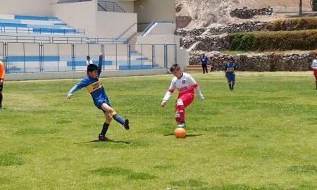 EMPEÑO. Se jugaron los partidos de ida del torneo Creciendo con el Fútbol.
