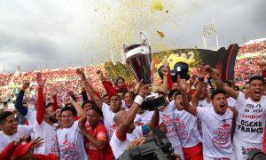 Cienciano vuelve a primera tras cinco años en segunda.